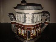 EastEnders Queen Vic Tea Pot 2