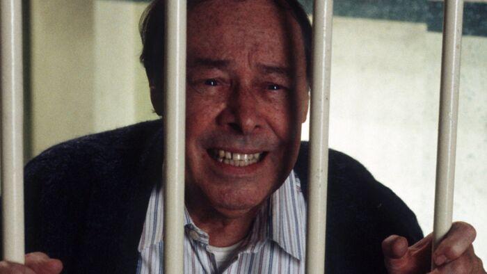 Arthur Fowler Prison (December 1995)