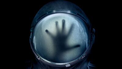 'Life' Review - Eat Your Heart Out, 'Prometheus'