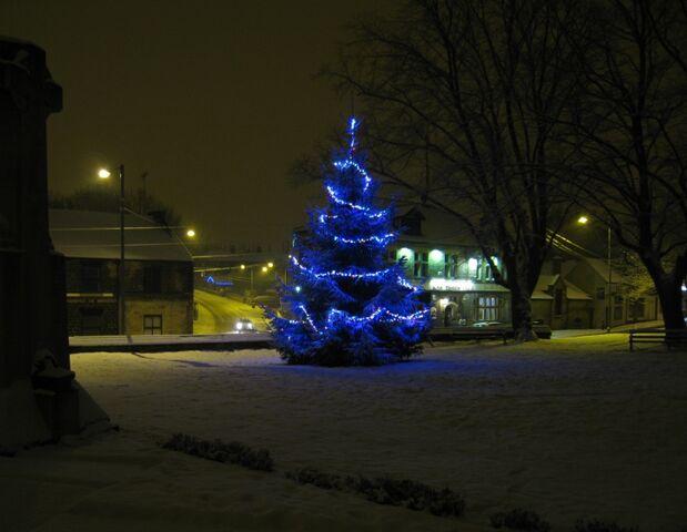 File:Christmas2009.jpg