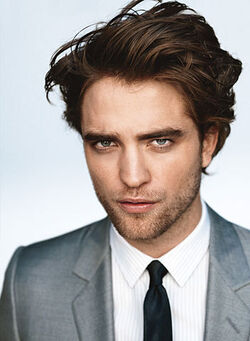 Robert-Pattinson-GQ-robert-pattinson-4822514-352-480