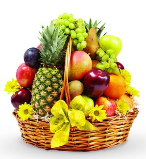 Avasflowers-bon-appetit-fruit-basket max
