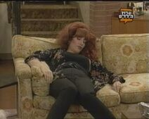 Peggy – Couch-3