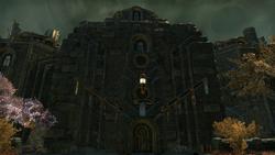 Здание в Латунной крепости 13