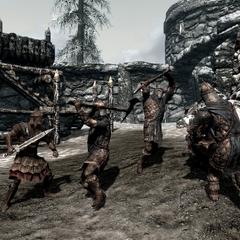 Żołnierz Gromowładnych atakuje legionistę Cesarskiego