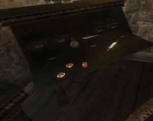 Топазы (на столе)
