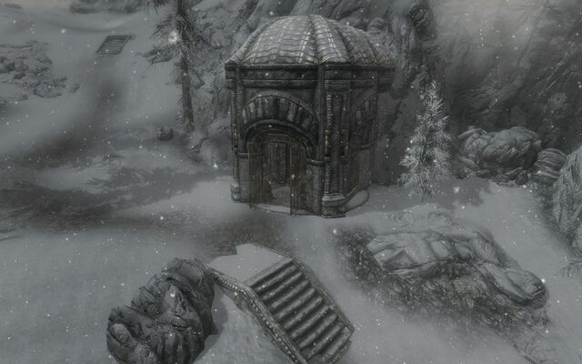 File:Great Lift At Raldbthar Outside.jpg