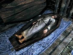 Дексион Ивик в гробу