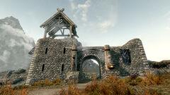 Белая сторожевая башня - общий вид