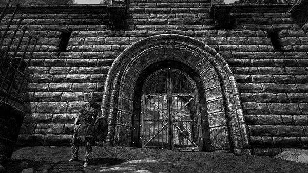 Стражник у Шквальных ворот чб