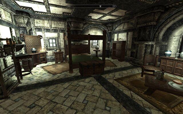File:Proudspire Manor - second floor - bedroom.jpg