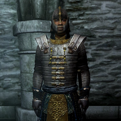 Członek Ostrzy, Redgard Baurus, noszący Akavirską zbroję Tsaesci z gry The Elder Scrolls IV: Oblivion