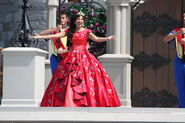 Elena Disney Magic Kingdom 8