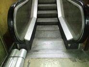 Otis escalator PlazaGlobePB