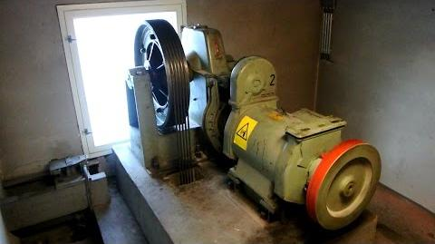 "Machine Room Tour! 1968 KONE ""pop-out"" traction elevator bonus @ Unioninkatu 24, Helsinki, Finland"
