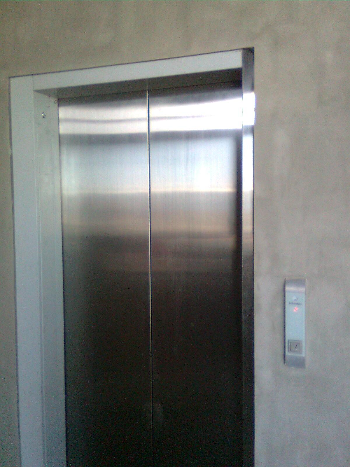 image schindler 3300 ap s 2010 jpg elevator wiki fandom rh elevation wikia com Schindler Elevator 330A Schindler 3300 Elevator Sling