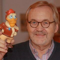 Engelbert von Nordhausen, Director Kakuzawa's voice actor.