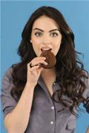 File:Liz with a Cookie.jpg