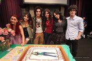 Liz&cast5