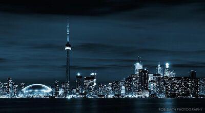 Toronto-skyline-at-night