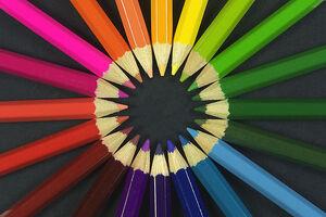 800px-Colouring pencils
