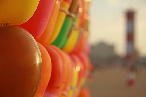 File:Balloon shooting on the beach!.jpg