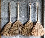 190px-Banaue Philippines Handmade-brooms-01
