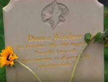 Donna Windsor gravestone