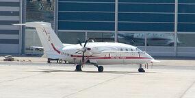 800px-Feuerloeschflugzeug 04