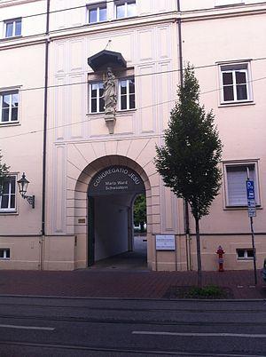 Eingang der Maria-Ward-Realschule An der Frauentorstraße- 2014-08-10 16-52