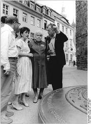 Bundesarchiv Bild 183-1987-0629-026, Berlin, 750-Jahr-Feier, ehem. sowjetische Soldatin