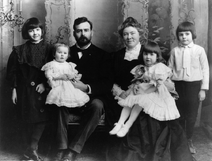 Ernest Hemingway with Family, 1905