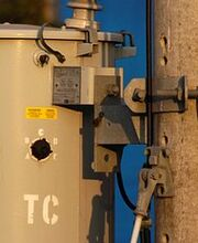 190px-One-of-three-phase-polemount-transformers-330dundas-d412closeup