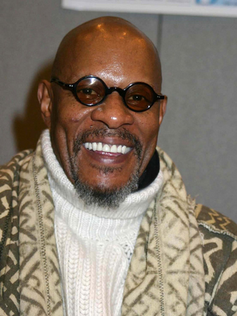 The 71-year old son of father (?) and mother(?) Avery Brooks in 2020 photo. Avery Brooks earned a million dollar salary - leaving the net worth at million in 2020