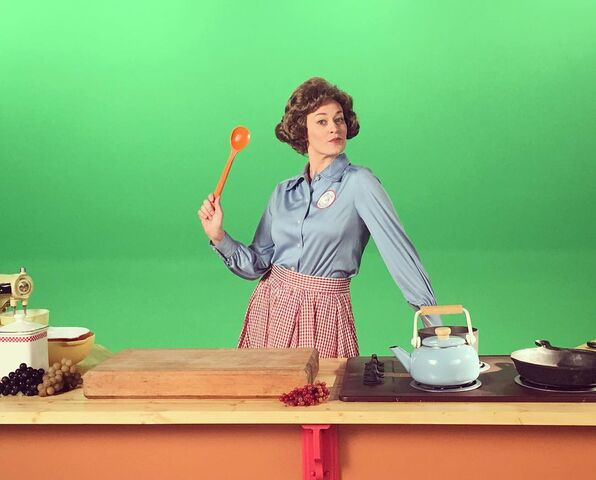 File:Julia Child Behind the Scenes.jpg