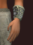Dragoon's Iron Reinforced Bracers (Equipped)