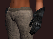 Footman's Worked Gauntlets (Equipped)