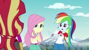 EG4 Rainbow pyta się Sunset o moc