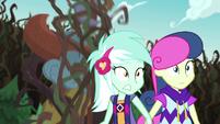 Totem pole falls toward Lyra and Sweetie Drops EG4