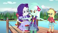 Rarity inspecting Lyra's bohochic outfit EG4