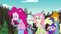 Pinkie Pie readying another handful of sprinkles EG4