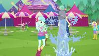 Bon Bon pouring water on herself CYOE13c