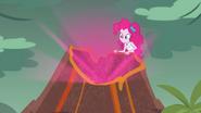 EG BT2 Pinkie Pie używa swojej mocy