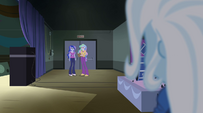 Trixie sees Celestia and Luna in the corridor EG2
