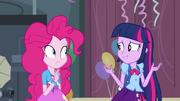 EG1 Twilight rozmawia z Pinkie Pie