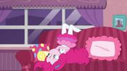 EG BT4 Pinkie Pie się nudzi