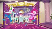 Pastry shoves RD and Pinkie out of buffet EGSB