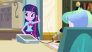 Twilight nervous in front of Celestia EG