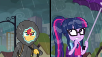 Sunset tightens her hoodie; Twilight looks scared SS6
