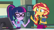 Sunset and Twilight give each other thumbs-up EGFF